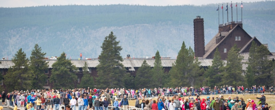Crowds at Old Faithful