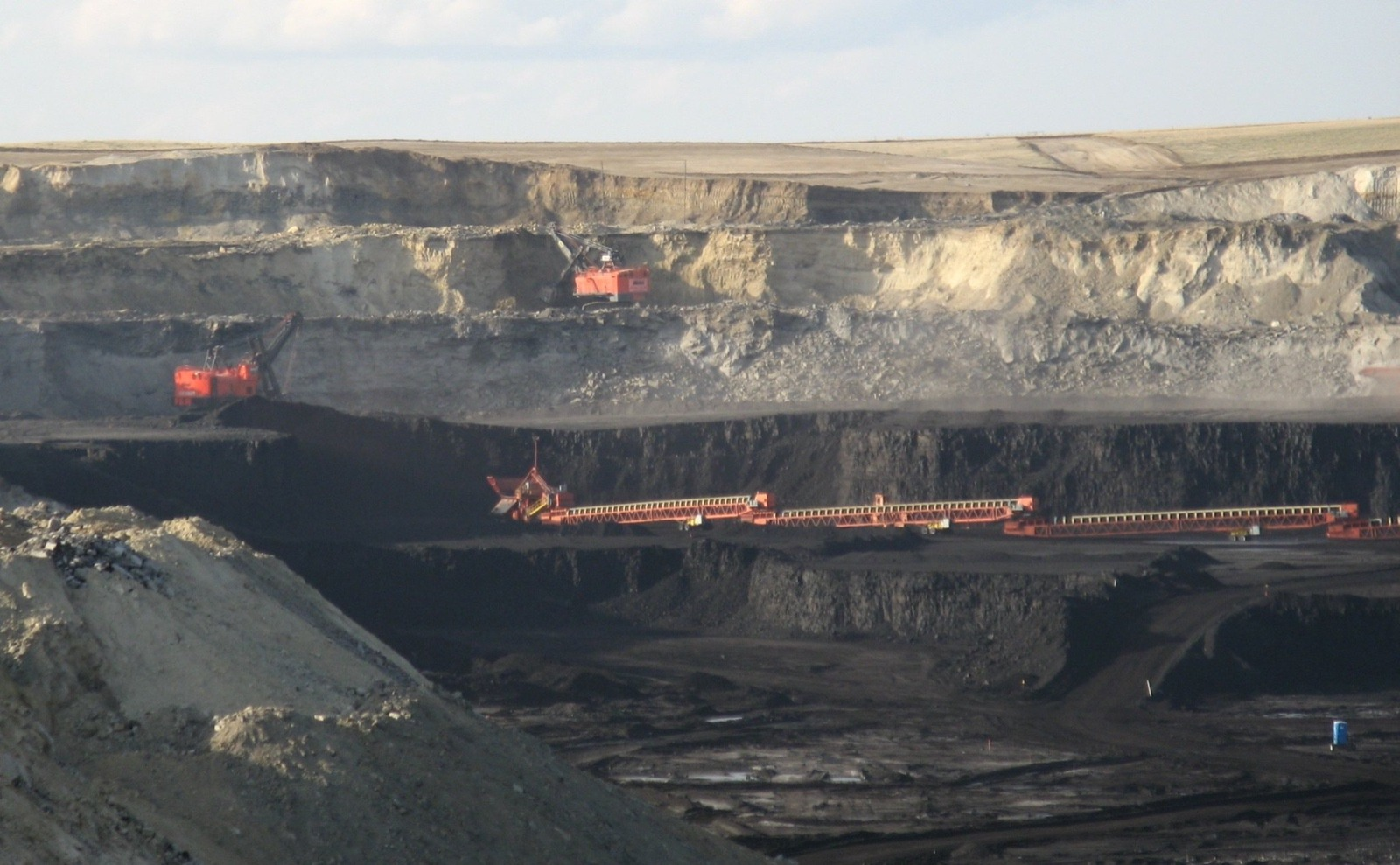 One of several coal mines outside of Gillette, Wyoming which delivered good wages but when bankruptcy struck several companies miners were put out of work.  Photo courtesy Greg Goebel/Creative Commons license-Flickr