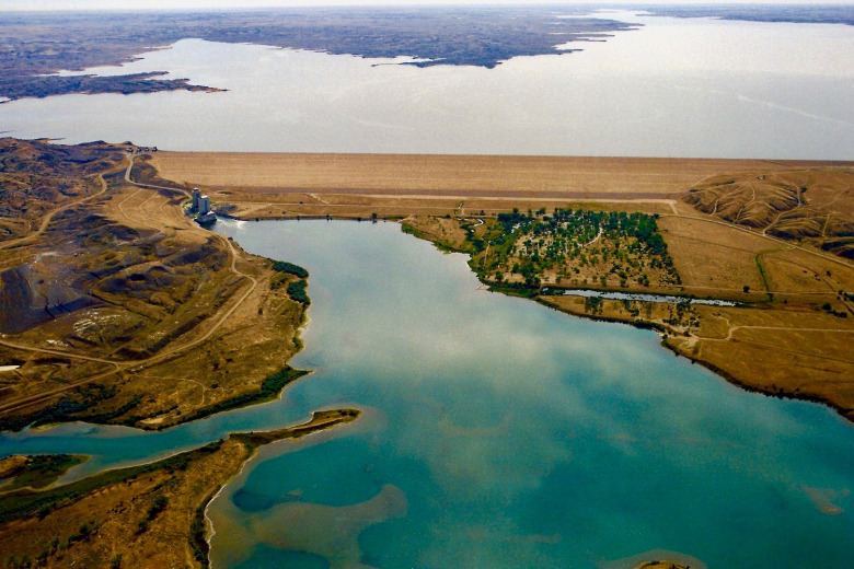 Fort Peck:  Lois Red Elk writes from the place where a mighty river, the Missouri, (Mníšoše) turns into a massive artificial tarn, surrounded by an bigger ocean of prairie.  Photo courtesy U.S. Army Corps of Engineers