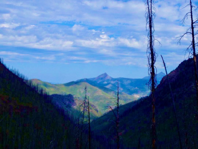 Looking into the Absaroka-Beartooth Wilderness