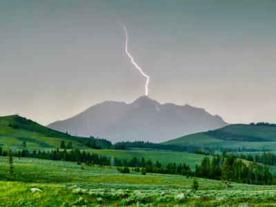 Lightning on Electric Peak