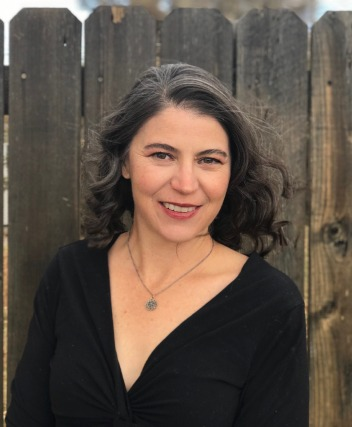 Host and producer of The Modern West podcast Melodie Edwards